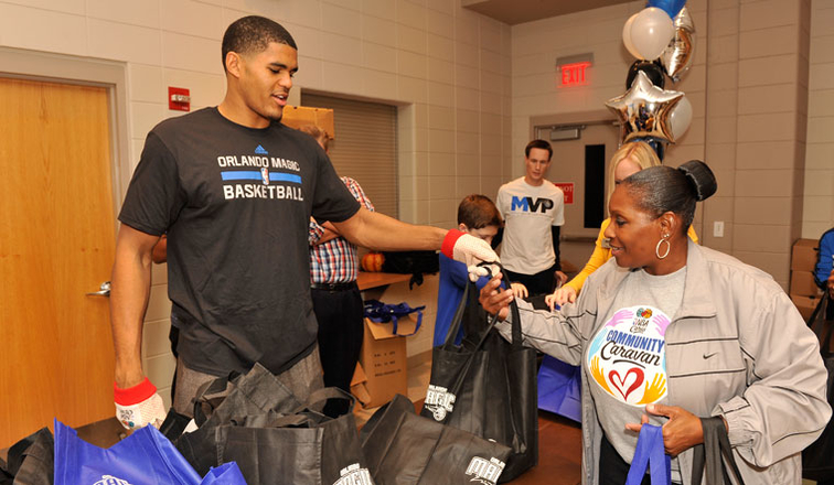 Tobias Harris, Orlando Magic and Amway Celebrate Thanksgiving in the Community